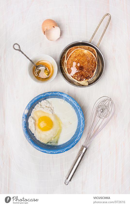 Pfannkuchen machen mit Zutaten gelb Stil Lebensmittel Design Ernährung Tisch Kochen & Garen & Backen Küche Bioprodukte Frühstück Geschirr Ei Backwaren