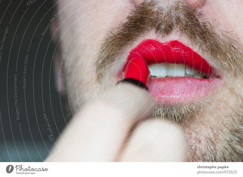 Liberté schön Kosmetik Schminke Lippenstift maskulin feminin androgyn Homosexualität Mann Erwachsene Mund Bart 1 Mensch Dreitagebart rebellisch Erotik Klischee