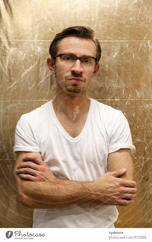 Golden Boy Mensch Jugendliche schön Junger Mann 18-30 Jahre Erwachsene Leben Stil Lifestyle nachdenklich elegant Kraft gold Erfolg Brille einzigartig