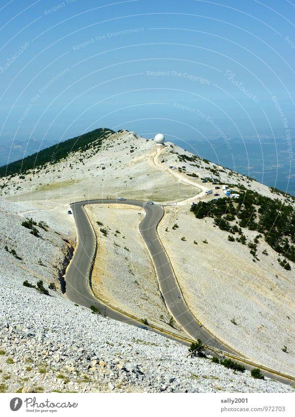 Kurvenlage... Sommer Schönes Wetter Felsen Berge u. Gebirge Gipfel Straße Wege & Pfade Serpentinen Pass beobachten Erholung fahren wandern Ferne hoch oben