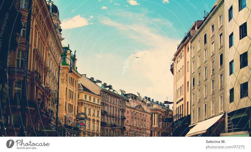 Romantic Nostalgia alt Himmel Stadt Haus Wolken Straße Europa Romantik historisch Verkehrswege Nostalgie Wien Österreich Altstadt
