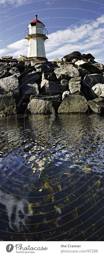 Leuchtfeuer Leuchtturm Meer Algen Norwegen Reflexion & Spiegelung Küste Schifffahrt Hafen Wasser Stein Himmel