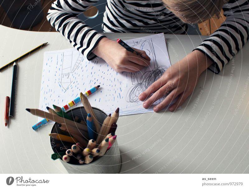 Zeichnen II Junge Kindheit Leben 1 Mensch 8-13 Jahre Künstler Kunstwerk Gemälde Printmedien T-Shirt blond Papier Zettel Schreibstift Farbstift Dose Zeichen