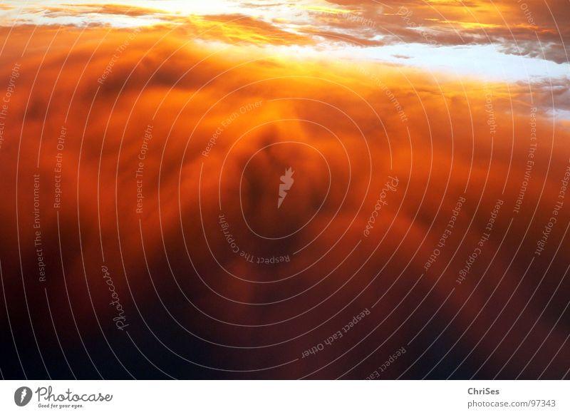 morgens um 5.03 Himmel Sonne Sommer schwarz Wolken gelb grau orange Angst Nebel Horizont gefährlich bedrohlich Gewitter Panik Nordwalde