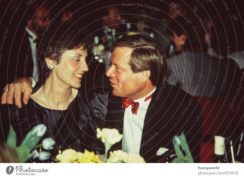 Glamourpaar Mensch Frau Mann Erwachsene Liebe Feste & Feiern Paar Mode Zusammensein Fröhlichkeit berühren retro Verliebtheit Eltern Partner Sympathie