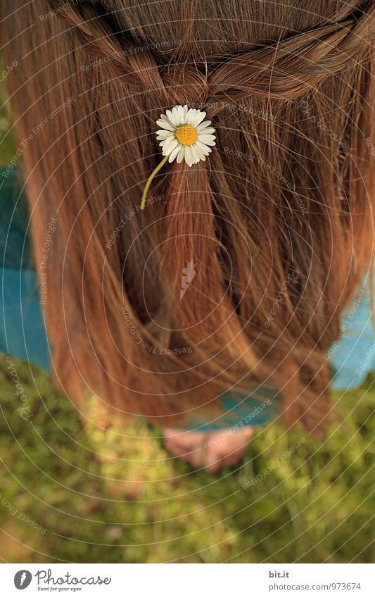 Be Sure to Wear Some Flowers in Your Hair Ferien & Urlaub & Reisen Jugendliche schön Sommer Junge Frau Erholung Blume Freude Mädchen feminin Spielen Glück