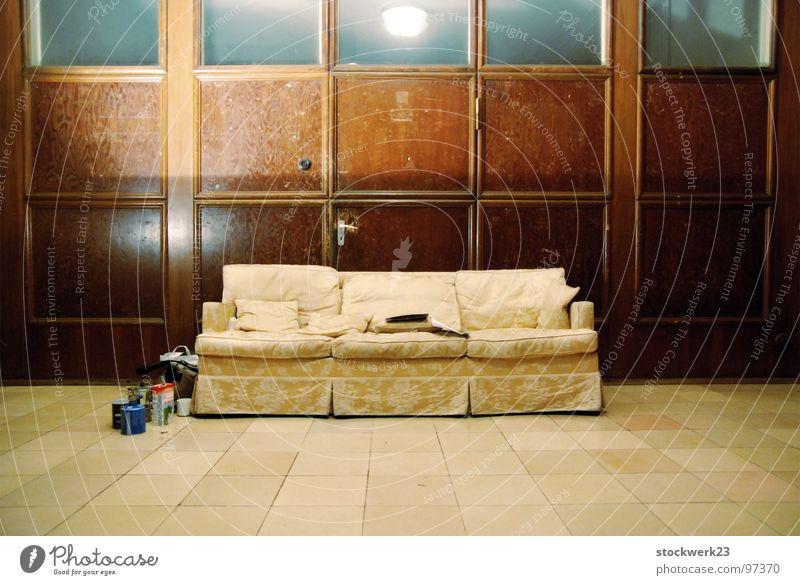 Indoor Camping braun Kaffee lesen Sofa Symmetrie Haushalt beige heizen Kanapee