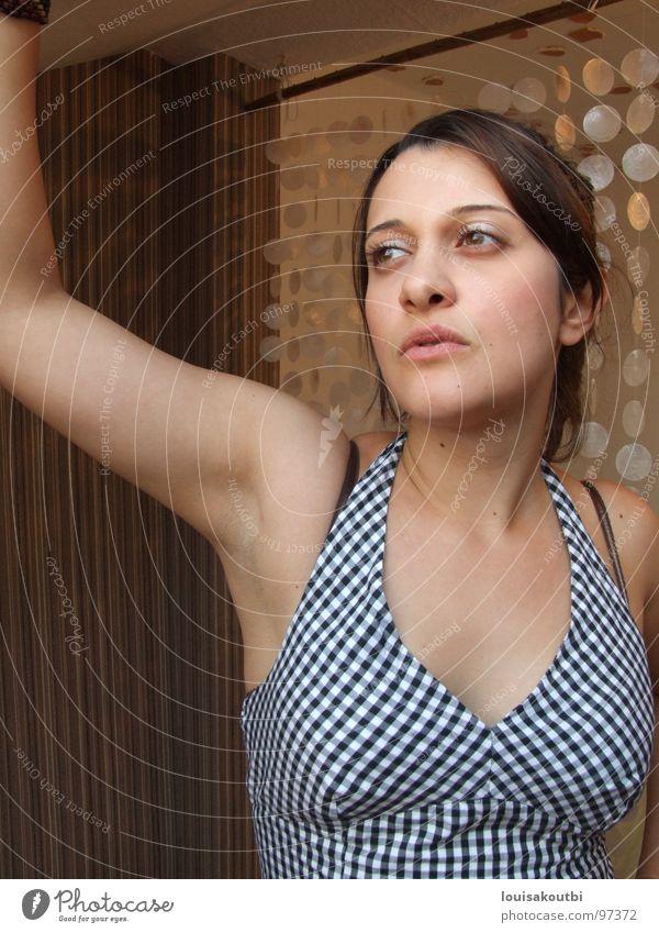 Lina 3 Frau Denken träumen verträumt Gesicht Auge Mund warten
