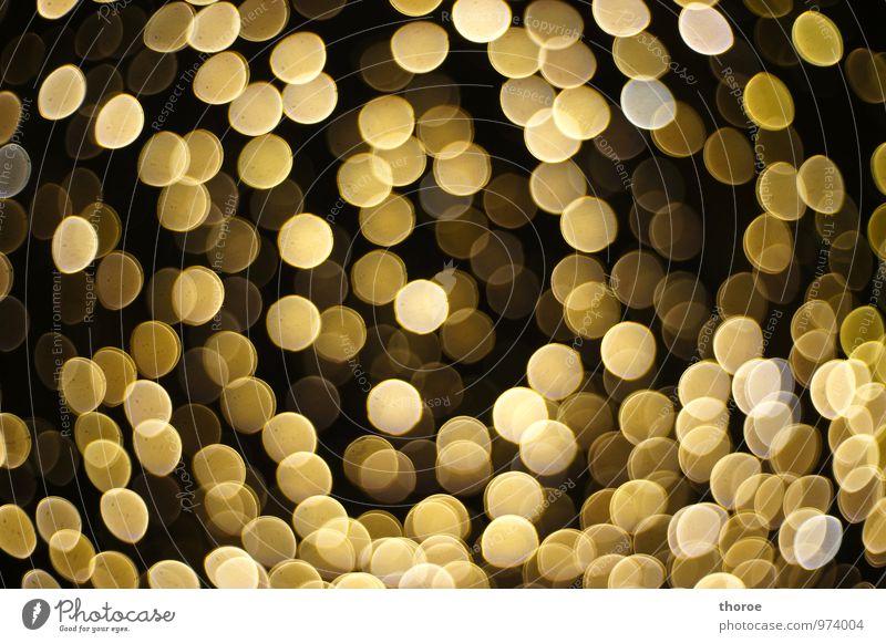Es ist nicht alles Gold, was glänzt Stimmung Lichterscheinung festlich Weihnachten & Advent Lichtermeer Glamour glanzvoll Lichterkette schimmern glänzend