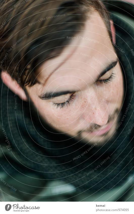 Without batting an eye Lifestyle Stil Mensch maskulin Junger Mann Jugendliche Erwachsene Leben Kopf Wimpern 1 18-30 Jahre Schal Haare & Frisuren brünett