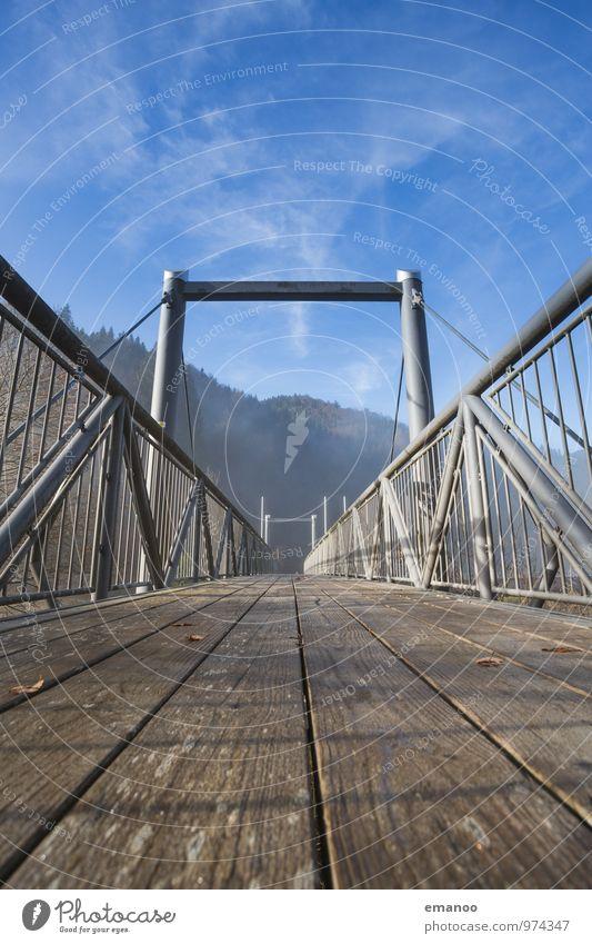 Brückenbretter Himmel Ferien & Urlaub & Reisen blau Landschaft Ferne Berge u. Gebirge Wege & Pfade Holz Freiheit braun Metall Tourismus wandern Perspektive