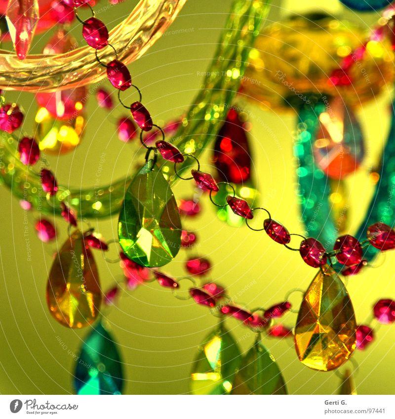 rocks Schmuck Perlenkette Lampendetail mehrfarbig Buntglas Designerleuchte gelb rot türkis grün Hängelampe Deckenlampe Deckenbeleuchtung Kunsthandwerk Acryl