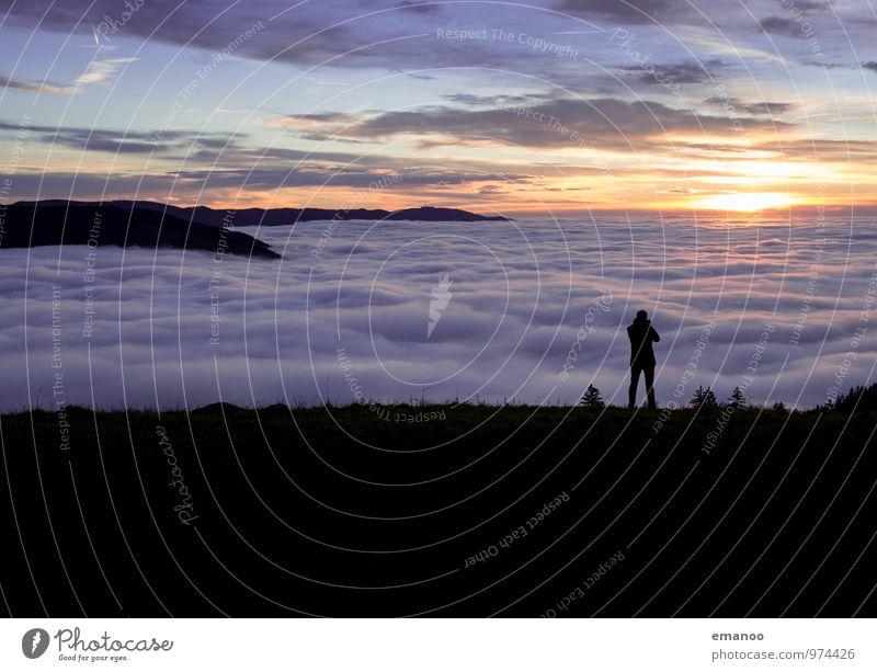 Über dem Nebel Lifestyle Ferien & Urlaub & Reisen Tourismus Ausflug Ferne Freiheit Berge u. Gebirge wandern 1 Mensch Umwelt Natur Landschaft Himmel Wolken