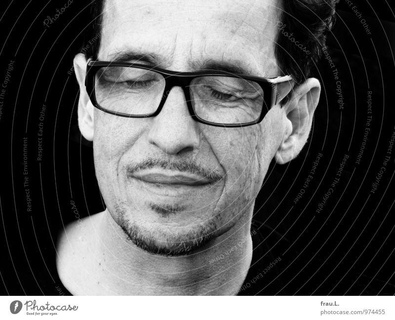 zufrieden Glück Mensch maskulin Mann Erwachsene Gesicht 1 45-60 Jahre Brille schwarzhaarig Bart Erholung positiv Gefühle Geborgenheit Warmherzigkeit Liebe