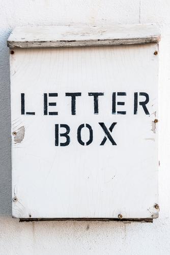 gesucht, gefunden Holz Design Schilder & Markierungen Schriftzeichen Kontakt Information Überraschung Brief Identität Briefkasten Rechnungen Vermittler