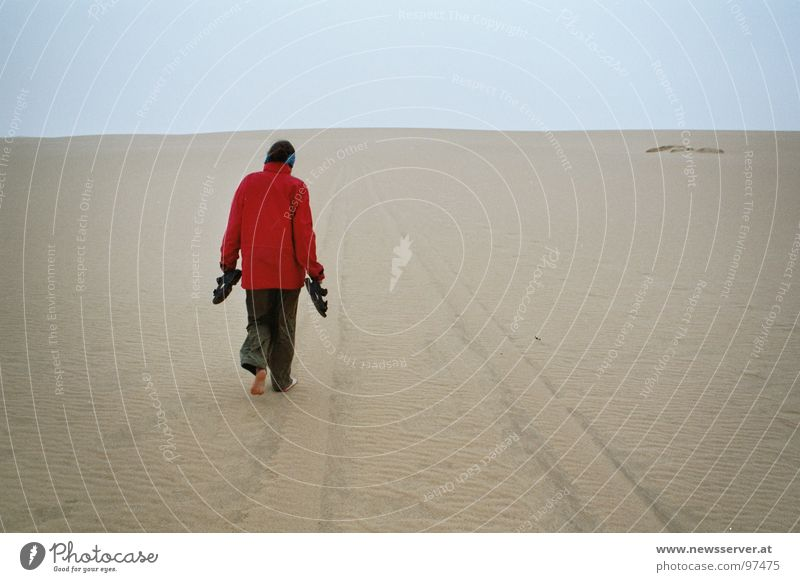 Desert Rain Barfuß Libyen Einsamkeit Reifenspuren Spuren Afrika Wüste Regen Sand Wege & Pfade Ziel