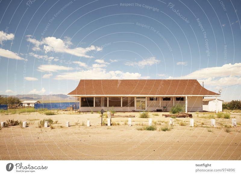 abandoned homes Menschenleer Haus Bauwerk Gebäude Architektur Schutz stagnierend Verfall gehen Einsamkeit alt Häusliches Leben Dach USA Route 66 Wüste Wärme