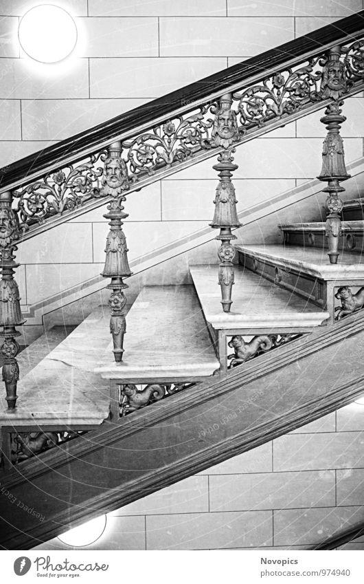 Schwerin Palace staircase Innenarchitektur Raum Architektur Treppe schwarz weiß Stufen Treppenhaus Säule Gelaender Geländer Schloss Innenausstattung