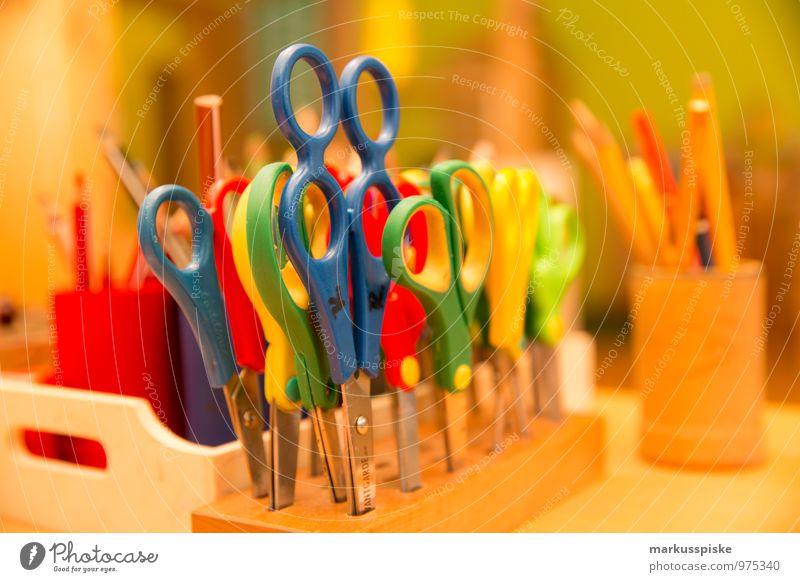kita kindergarten basteln Kind Freude Gefühle Spielen Denken Freizeit & Hobby Kindergruppe Bildung schreiben Kleinkind Kindergarten Schreibstift Basteln bauen