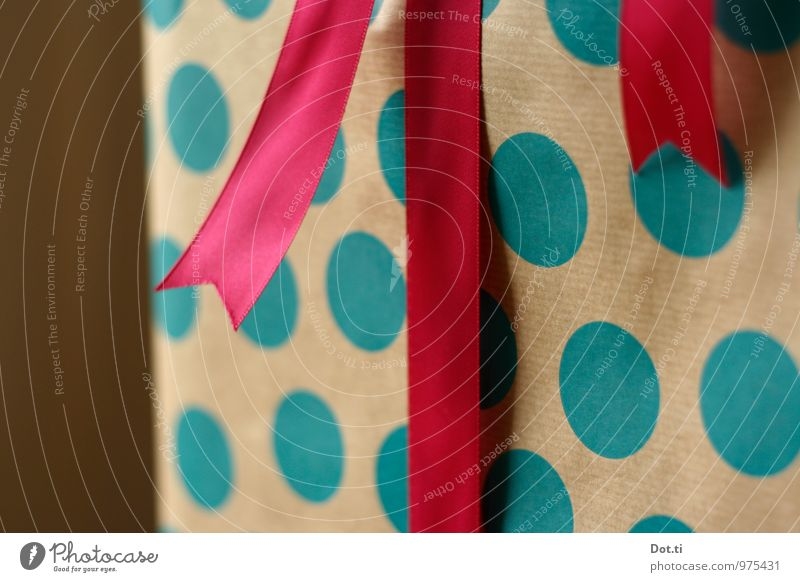 big fat dots Reichtum Weihnachten & Advent Geburtstag blau rosa Vorfreude Geschenk Geschenkpapier Punkt gepunktet Schleife Verpackung Überraschung schenken