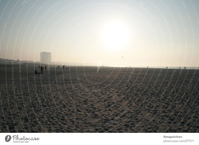 goldener Himmel Himmel Ferien & Urlaub & Reisen blau Wasser weiß Sonne Meer Erholung Freude Strand schwarz gelb Gefühle Spielen grau Menschengruppe