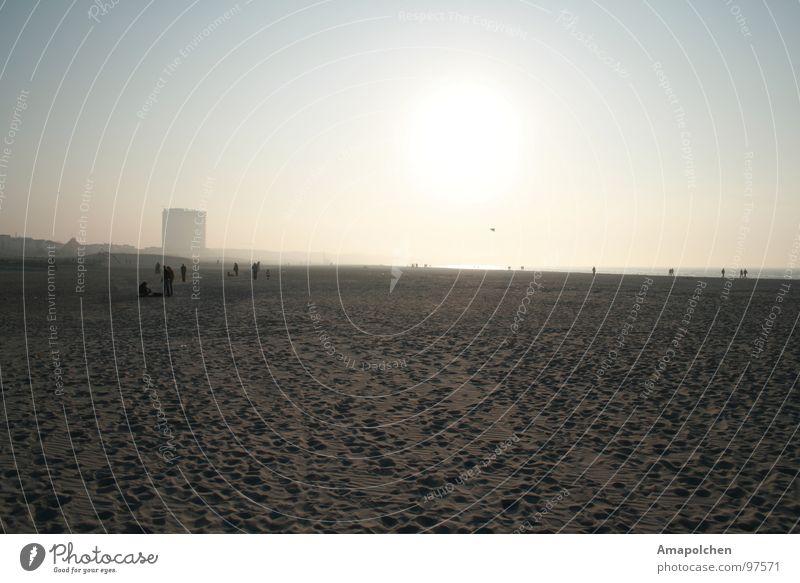 goldener Himmel Ferien & Urlaub & Reisen blau Wasser weiß Sonne Meer Erholung Freude Strand schwarz gelb Gefühle Spielen grau Menschengruppe