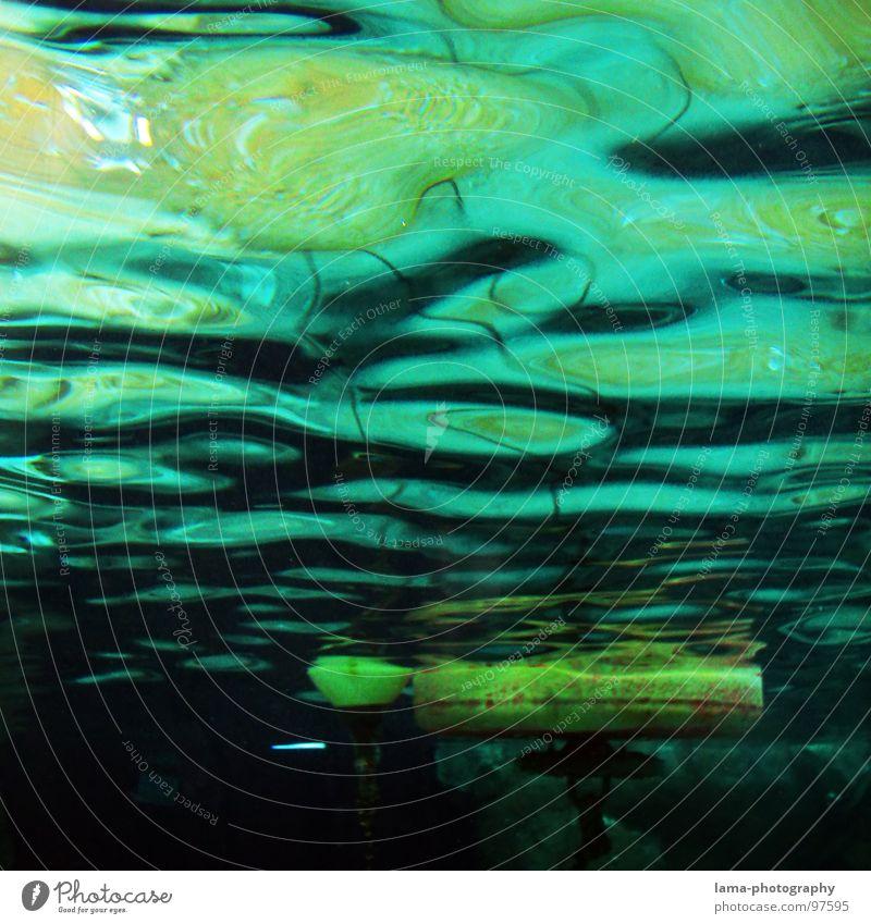 Under the sea I Schifffahrt Unterwasseraufnahme Boje Wasserfahrzeug Meer See Marine Seezeichen Fass Gewässer Fahrwasser Leuchtturm Im Wasser treiben