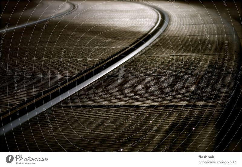 Fahrvergnügen Gleise Straßenbahn Biegung glänzend Detailaufnahme Niveau Kurve