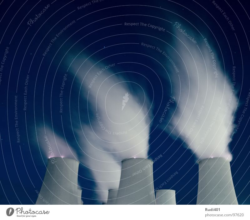 Rauch steigt auf ... Himmel weiß blau Kraft Wind Umwelt Kraft Industrie Energiewirtschaft Rauch Schornstein 6 Stromkraftwerke