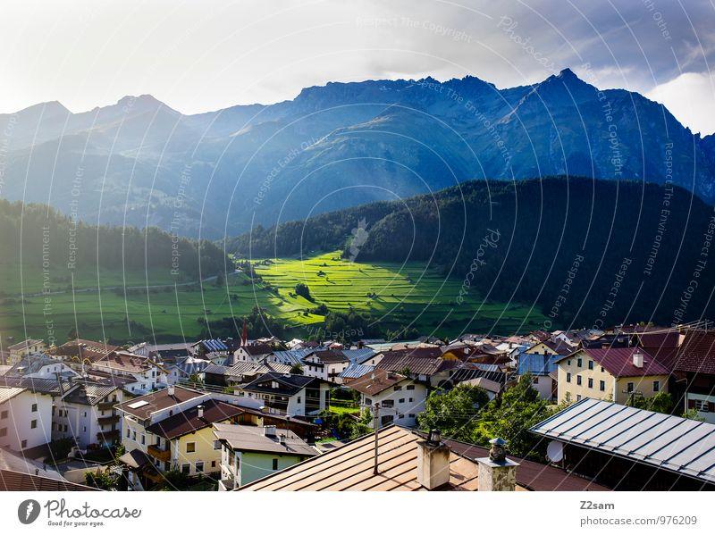 Nauders Umwelt Natur Landschaft Himmel Sonne Sonnenlicht Sommer Schönes Wetter Baum Sträucher Wiese Alpen Berge u. Gebirge Dorf Kleinstadt Haus