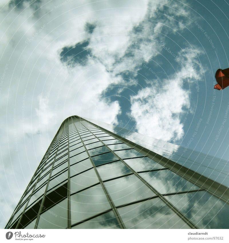 Hochbau Himmel Stadt Wolken Haus Fenster Glas hoch Hochhaus Perspektive Spitze Niveau Mitte Spiegel aufwärts Meinung Frankfurt am Main