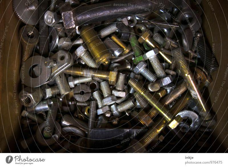 Rappelkiste Arbeit & Erwerbstätigkeit Beruf Handwerk Baustelle Technik & Technologie Kasten Sammlung Schraubenmutter Unterlegscheibe Metall alt durcheinander