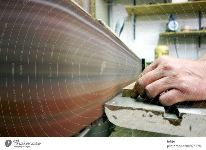 Handwerk Freizeit & Hobby Basteln Modellbau Arbeit & Erwerbstätigkeit Beruf Handwerker Tischler Werkstatt Schreinerei Baustelle Erwachsene 1 Mensch Holz