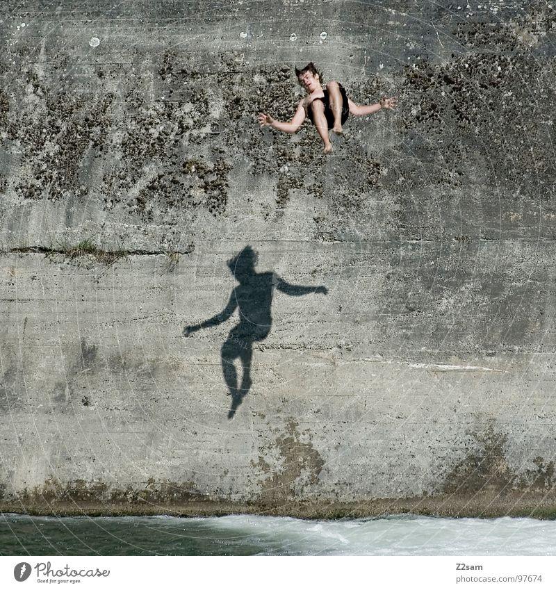falling down II Wasser blau Sommer Freude Wand springen oben Bewegung Freiheit Mauer 2 Zusammensein fliegen frei gefährlich Fluss