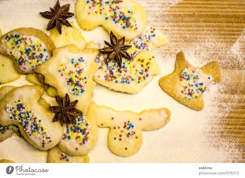 Plätzchen eben Weihnachten & Advent weiß gelb Holz Feste & Feiern braun Lebensmittel Ernährung lecker Süßwaren Duft Backwaren Teigwaren Mehl Kaffeetrinken Sternanis
