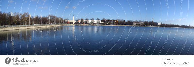 Maschsee Hannover Panorama (Aussicht) Weitwinkel See Promenade Ferne Glätte Horizont Schönes Wetter Klarer Himmel gemischt Sommer Wasser Küste breit gestreckt