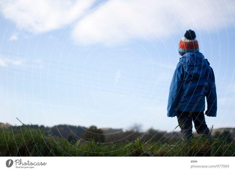 einfach so Mensch Himmel Kind Natur Landschaft ruhig Wolken Umwelt Leben Junge natürlich Familie & Verwandtschaft Freizeit & Hobby Kindheit Schönes Wetter Lebensfreude
