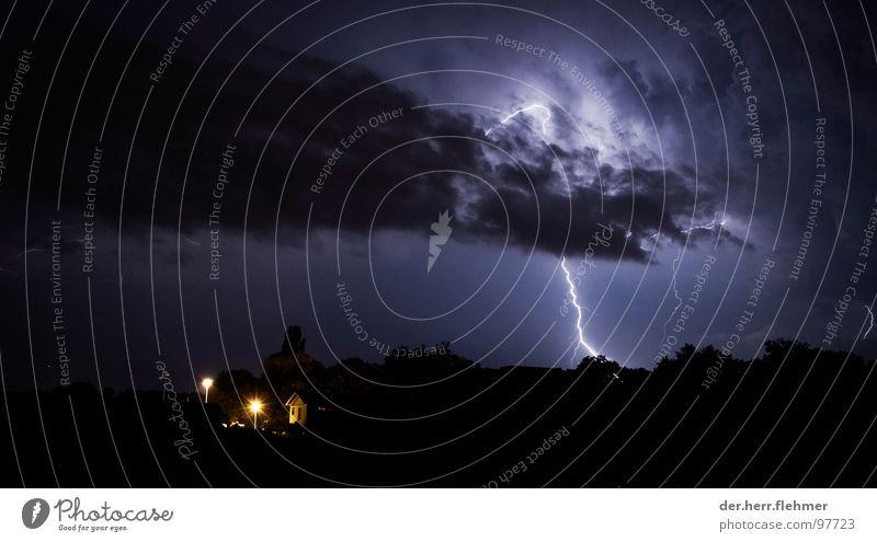 Shazam Blitze Wolken Unwetter gefährlich Käsebrot Haus Wald Baum Nacht Elektrizität Birke Eiche Speyer Rheinland-Pfalz Europa Planet Beamer Stativ Fotograf