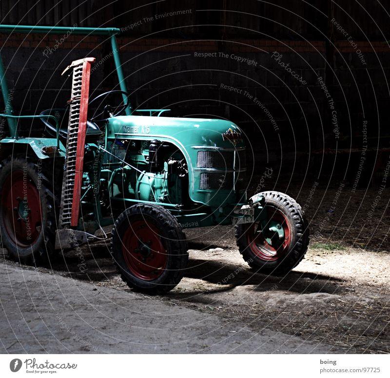 Schleppertreffen bei pc KW 26 Industrie Landwirtschaft verfallen Bauernhof drehen Maschine Ackerbau Scheune Motor Oldtimer Hof Traktor Heu Motorhaube Rasenmäher