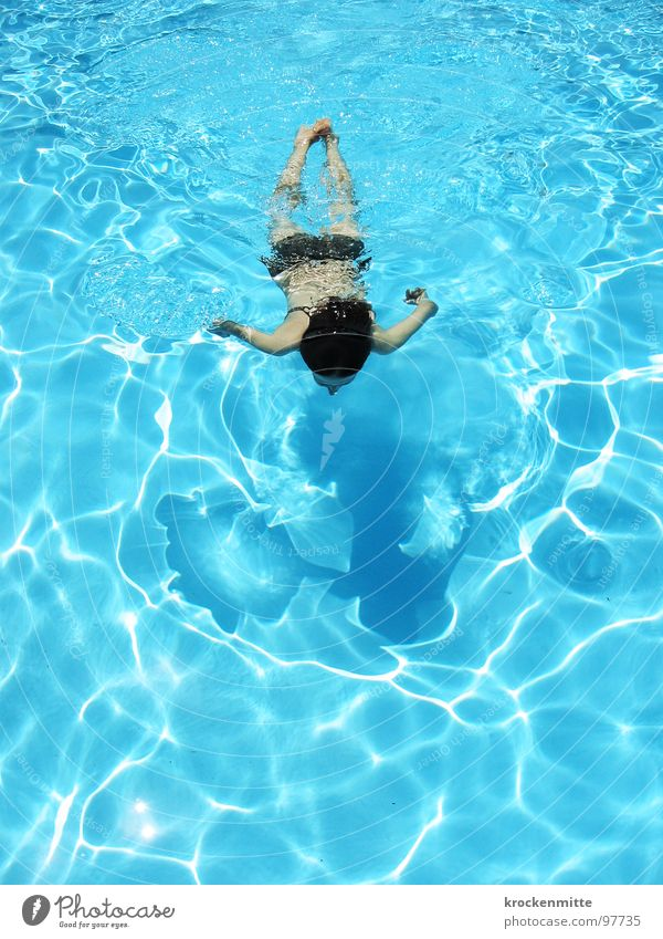 16 Längen Frau Wasser blau Sommer Ferien & Urlaub & Reisen nass Schwimmbad Freizeit & Hobby Italien Schwimmen & Baden Hotel Bikini Erfrischung Wassersport