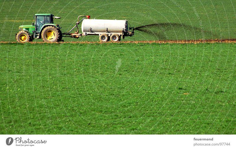 Geruchsbelästigung Traktor Landwirtschaft Pippi Langstrumpf Düngung Wiese Feld Wachstum Ekel igitt Tecker Gülle Kuhpippi pfui Übelriechend Güllewagen