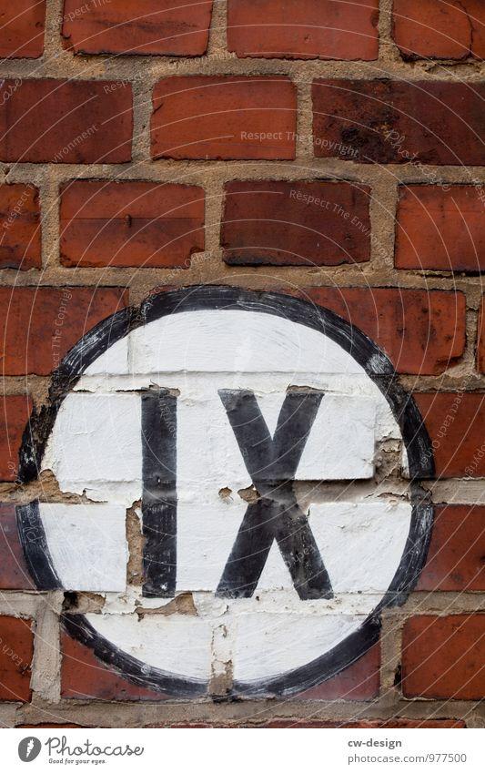 IX alt Stadt weiß schwarz Wand Senior Architektur Gebäude Mauer braun Kunst Fassade Design Schilder & Markierungen Schriftzeichen Hinweisschild