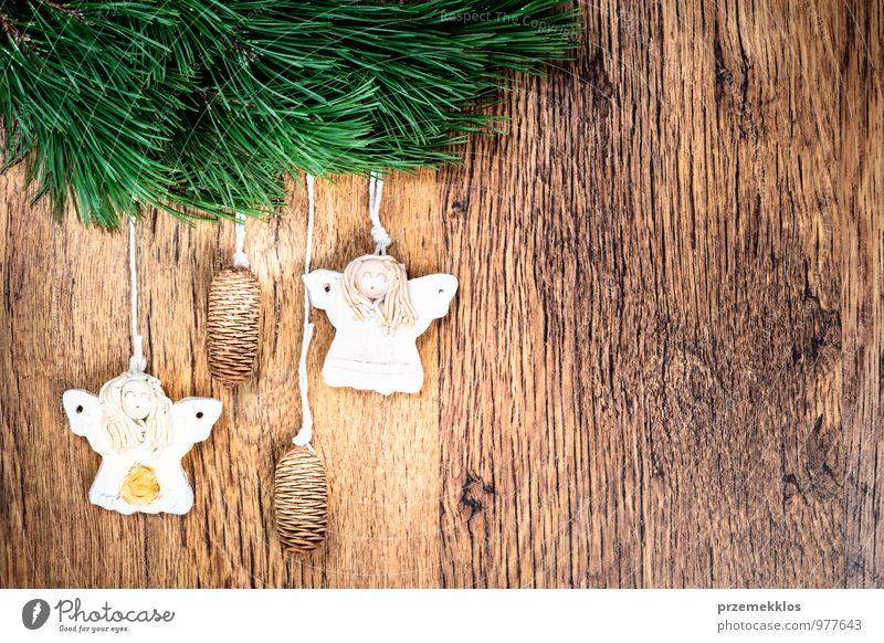 grün natürlich Hintergrundbild Holz Feste & Feiern Dekoration & Verzierung Textfreiraum authentisch einzeln einzigartig Schnur Jahreszeiten Zweig Engel