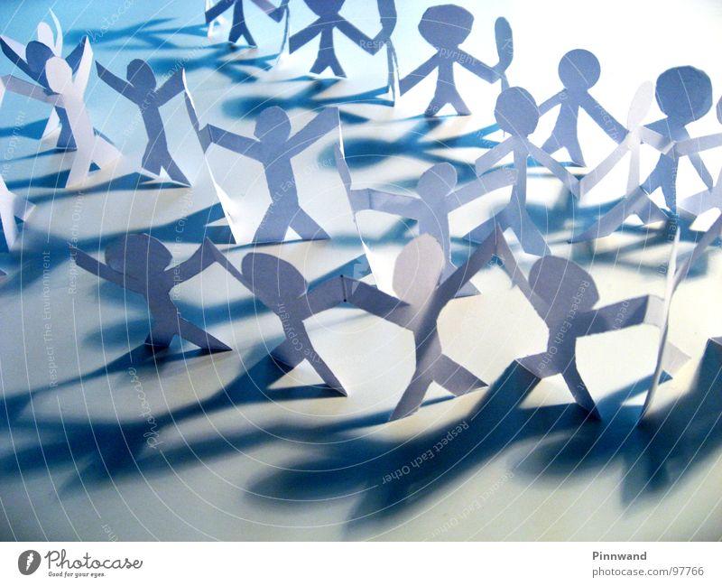 leben heißt kämpfen Menschenmenge Demonstration Freundschaft Sportveranstaltung gegen Gefühle Versammlung Sitzung Schattenspiel Basteln Papier Religion & Glaube