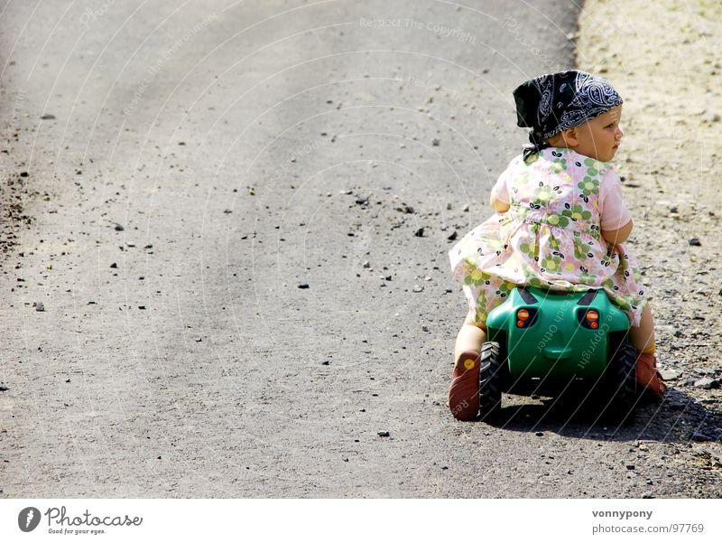 Wo geht's hier zur Tanke? Bobbycar falsch Kleid Kopftuch Führerschein Bauernhof Tankstelle mehrfarbig Ferien & Urlaub & Reisen Sommer süß Traktor Spielzeug