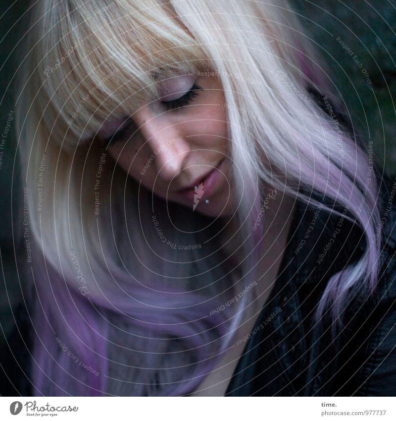 . Mensch Jugendliche schön Junge Frau ruhig Gesicht feminin Glück außergewöhnlich rosa Zufriedenheit blond Lächeln einzigartig Romantik Schutz