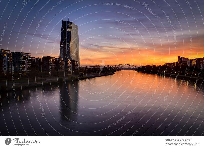 Sunrise FFM Fluss Stadt Skyline Menschenleer Hochhaus Architektur Stimmung schön Frankfurt am Main Farbfoto Außenaufnahme Textfreiraum oben Textfreiraum unten