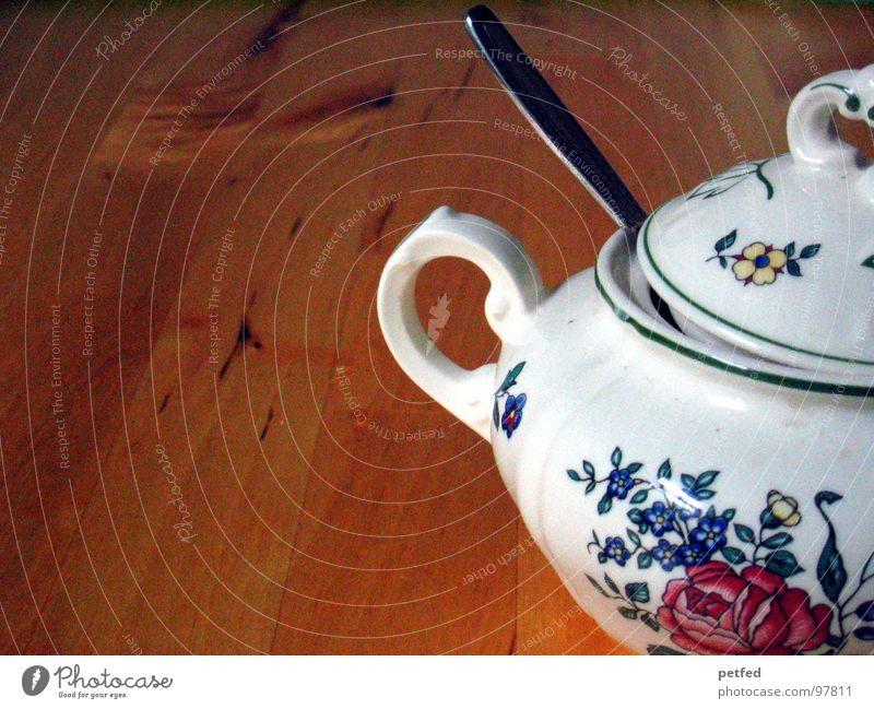 Teestündchen Zucker Löffel weiß Rose braun Tisch Geschirr Holz Pause Backwaren Kaffee Ernährung Zuckerdose