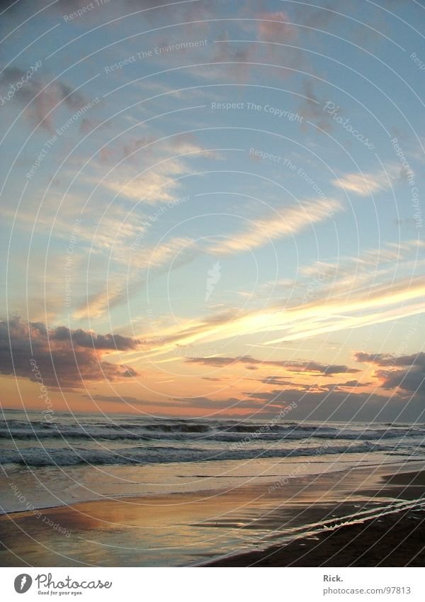 .Colorful Sky Himmel blau Wasser Ferien & Urlaub & Reisen Sonne Sommer Meer Strand Wolken gelb Erholung Gefühle Sand See Stimmung Beleuchtung