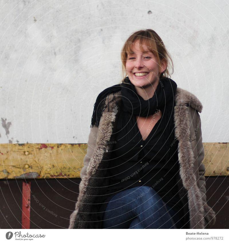 Von Ein- und Ausbrüchen 2 - (Bilder)Geschichte in drei Teilen Jugendliche blau schön Junge Frau rot 18-30 Jahre schwarz gelb Erwachsene Wand Gefühle Mauer Haare & Frisuren braun träumen Fröhlichkeit